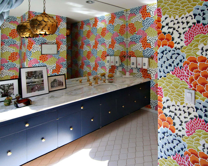 Bold Bathroom Wallpaper Flower Wallpaper Bathroom Decor Interior Decorating