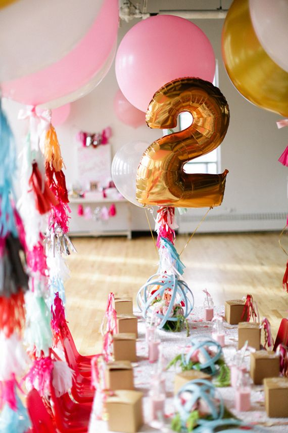 party time // jumbo balloons